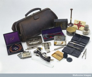 Leather doctor's bag with contents, English, 1890-1930. Wellcome Images.