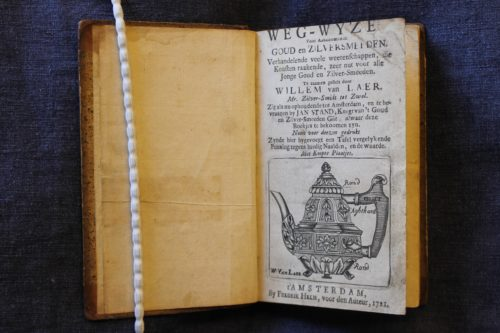 Figure 1. Title page of the Guidebook. Copy held by the Rijksmuseum Research Library, Amsterdam. (Call number: 305 E 33). Photo by Thijs Hagendijk.